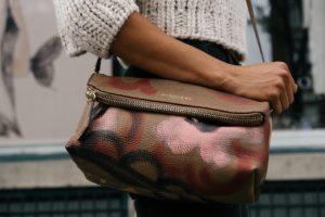 hand bag back pain ladies gym dubai Curvalicious