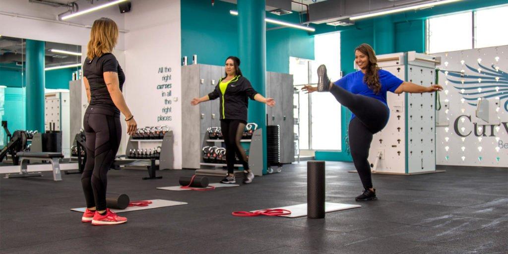 single leg exercises glute building curves curvalicious ladies gym dubai